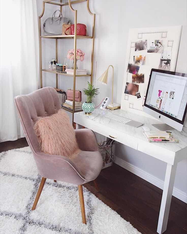Рабочее место в маленькой квартире фото 14