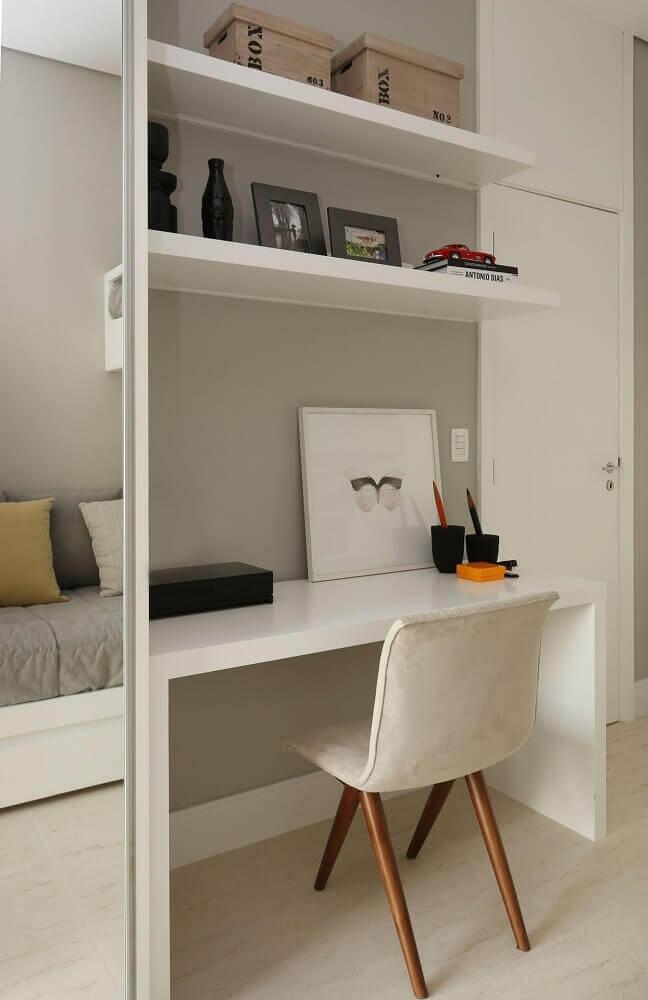 Рабочее место в маленькой квартире фото 16