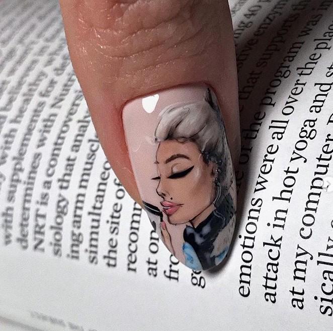 Девушка на ногтях фото 133