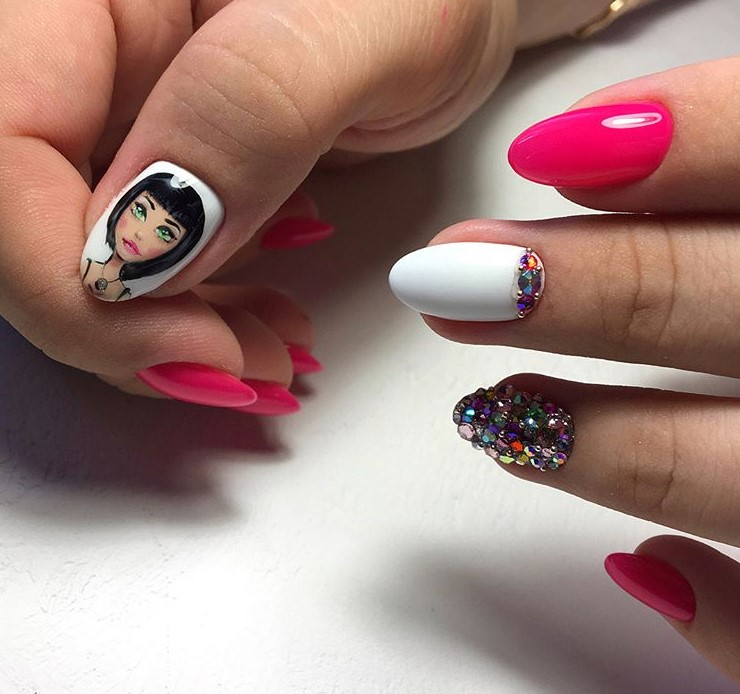 Девушка на ногтях фото 126