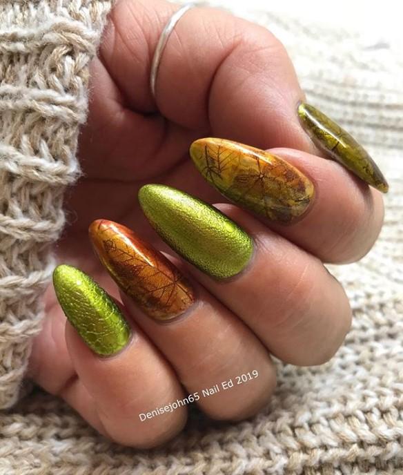 пузырьки на ногтях фото 31
