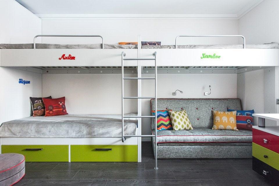 Комнаты для 3-х и более детей фото 32