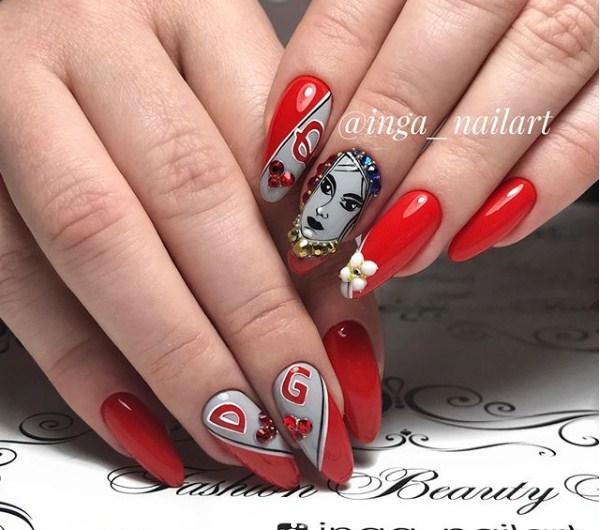 Девушка на ногтях фото 106