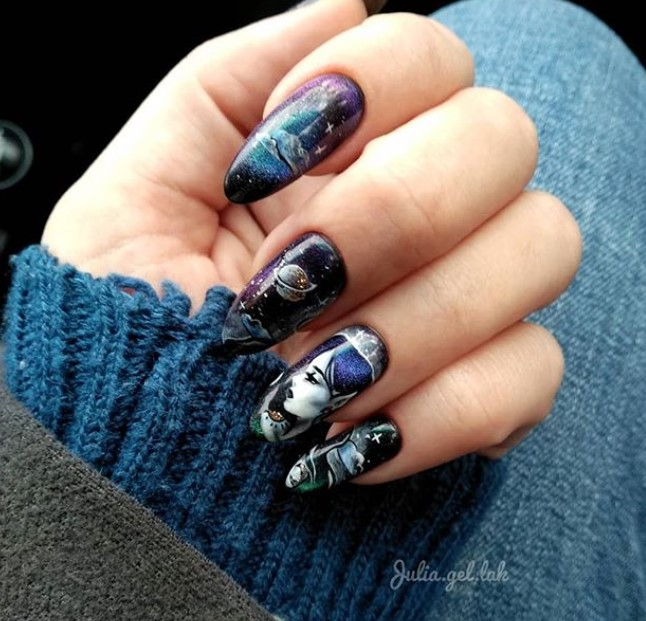 Девушка на ногтях фото 97