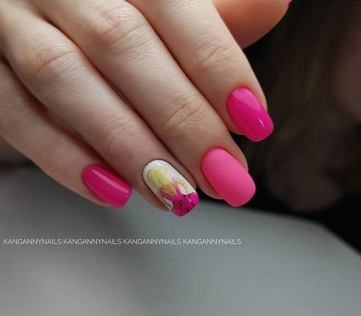 Девушка на ногтях фото 95