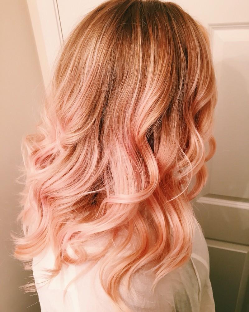 Персиковый оттенок волос фото 8