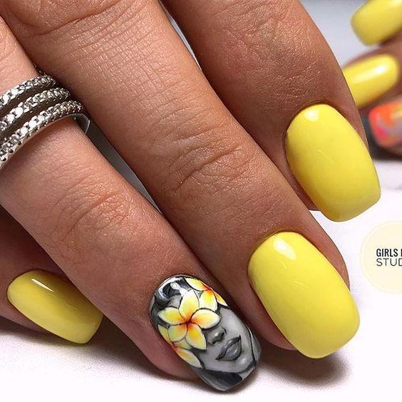 Девушка на ногтях фото 72