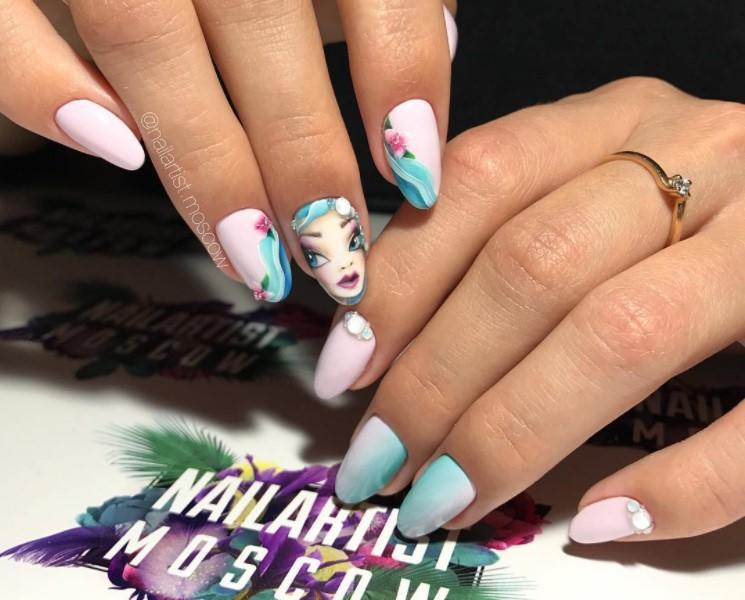 Девушка на ногтях фото 66