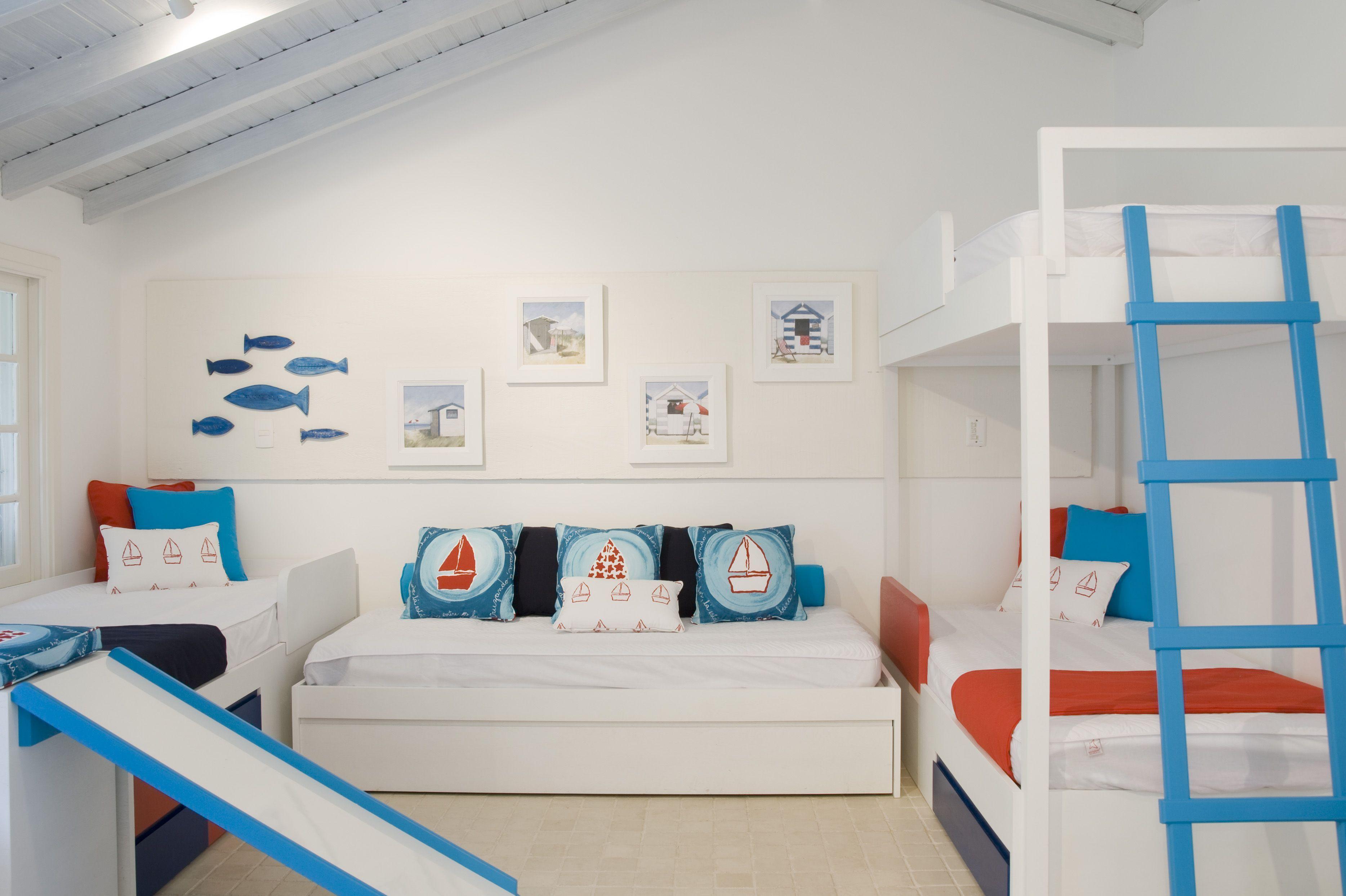 Комнаты для 3-х и более детей фото 39