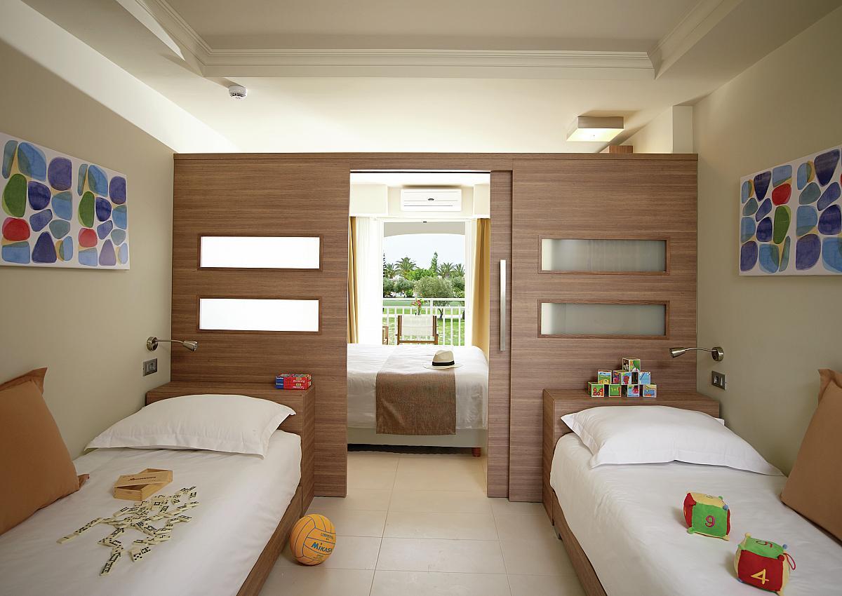 Комнаты для 3-х и более детей фото 15