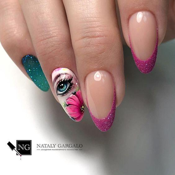 Девушка на ногтях фото 33
