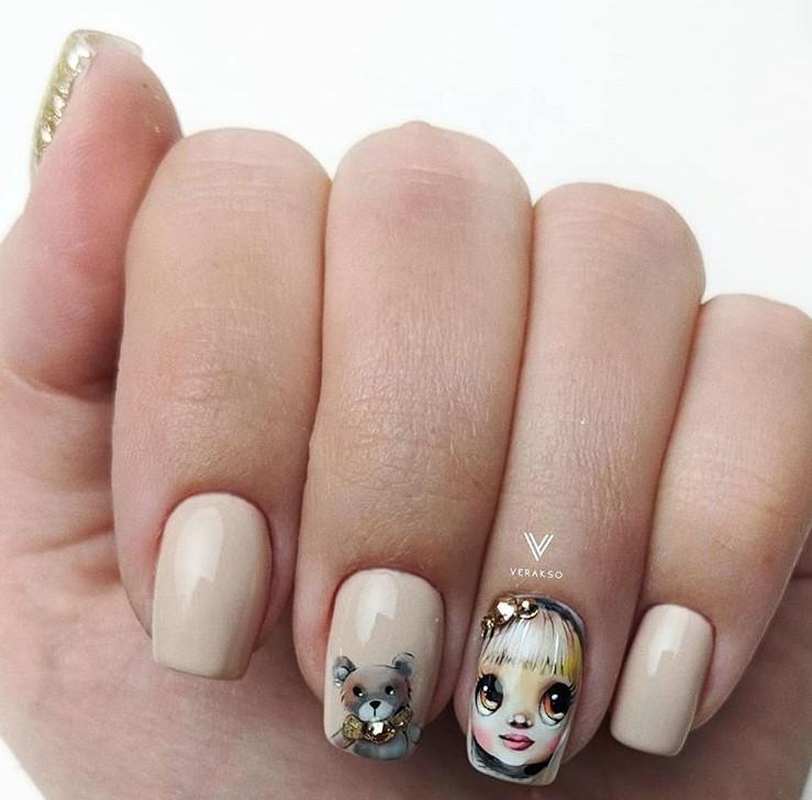 Девушка на ногтях фото 30