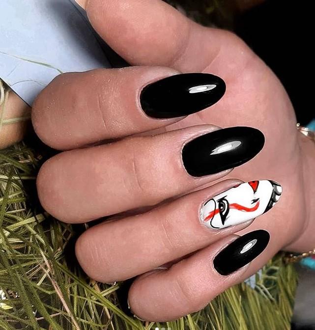 Девушка на ногтях фото 26