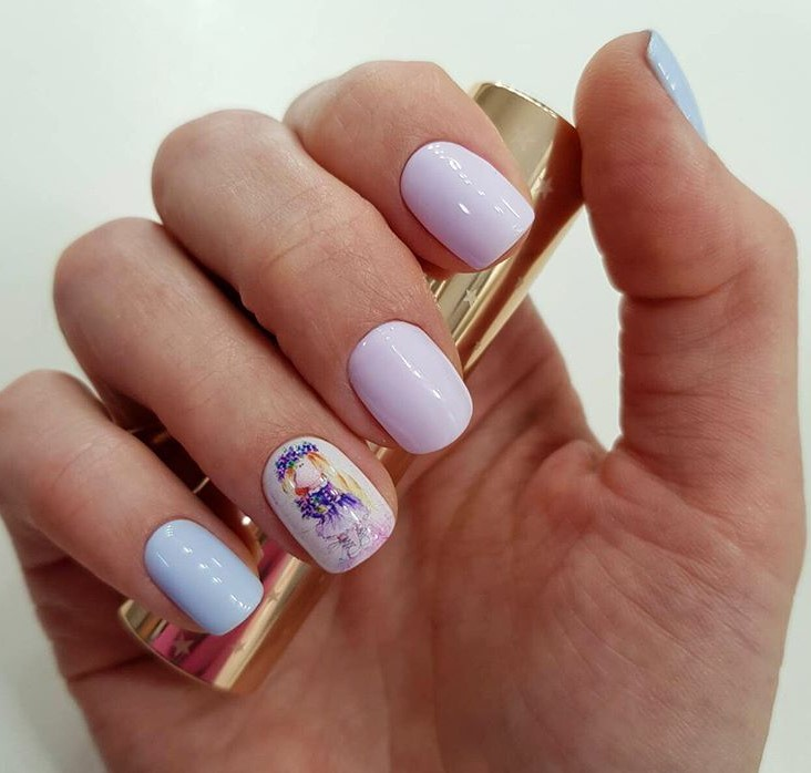 Девушка на ногтях фото 17