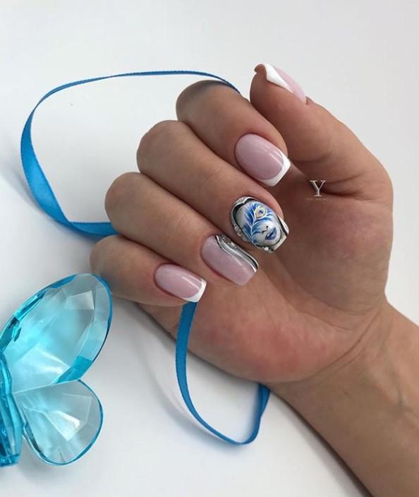 Девушка на ногтях фото 11