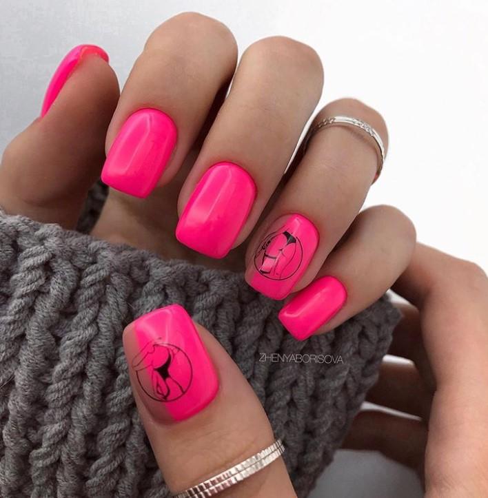 Девушка на ногтях фото 15