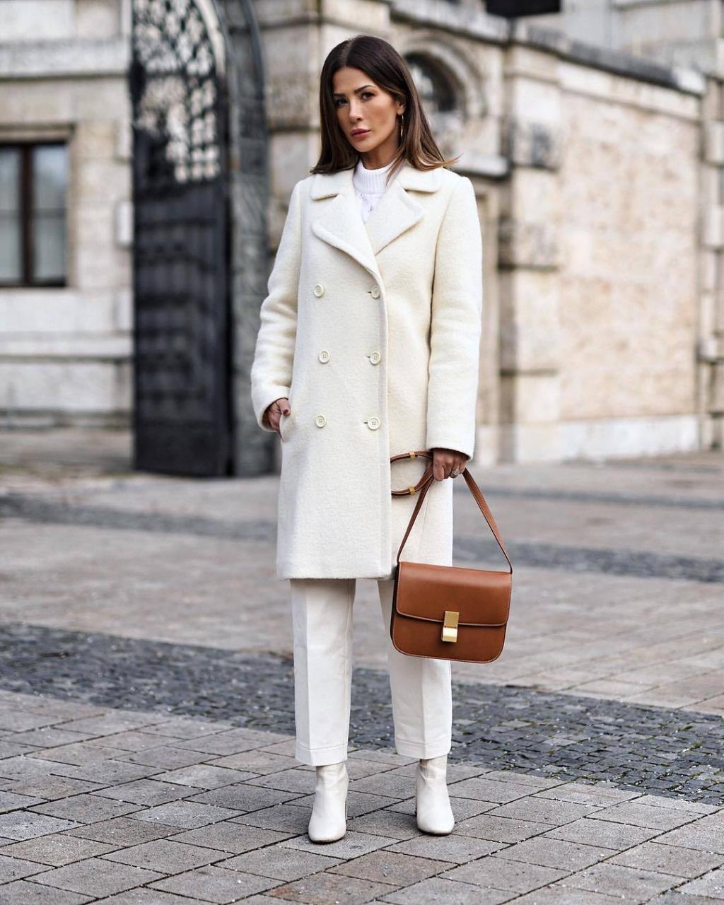 Модные зимние образы в белом цвете фото 9
