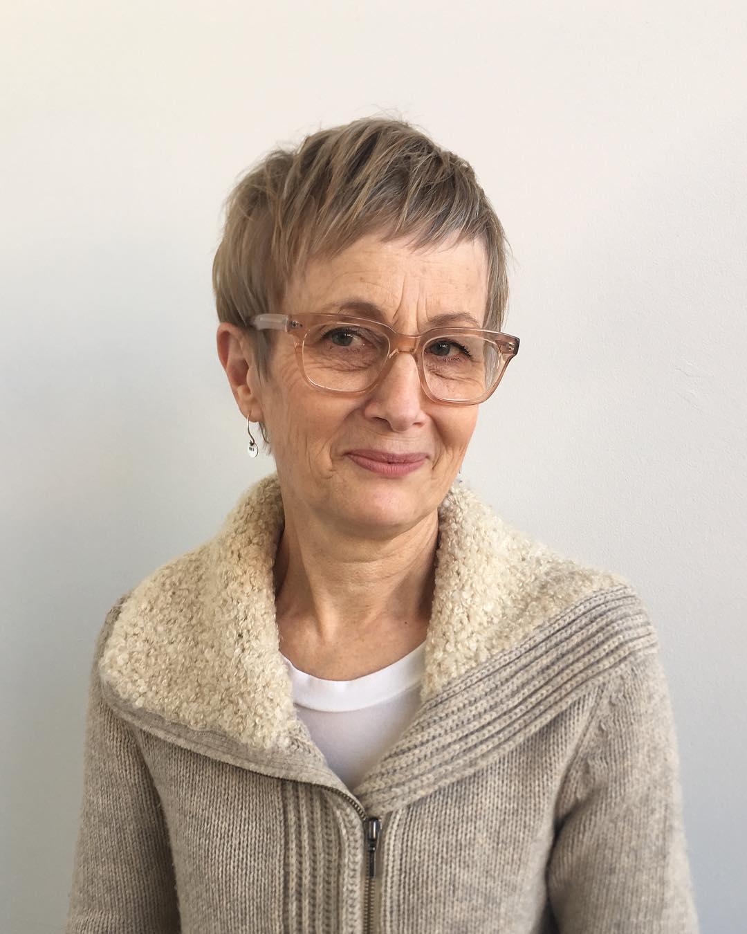стрижка для женщин после 50 лет фото 16