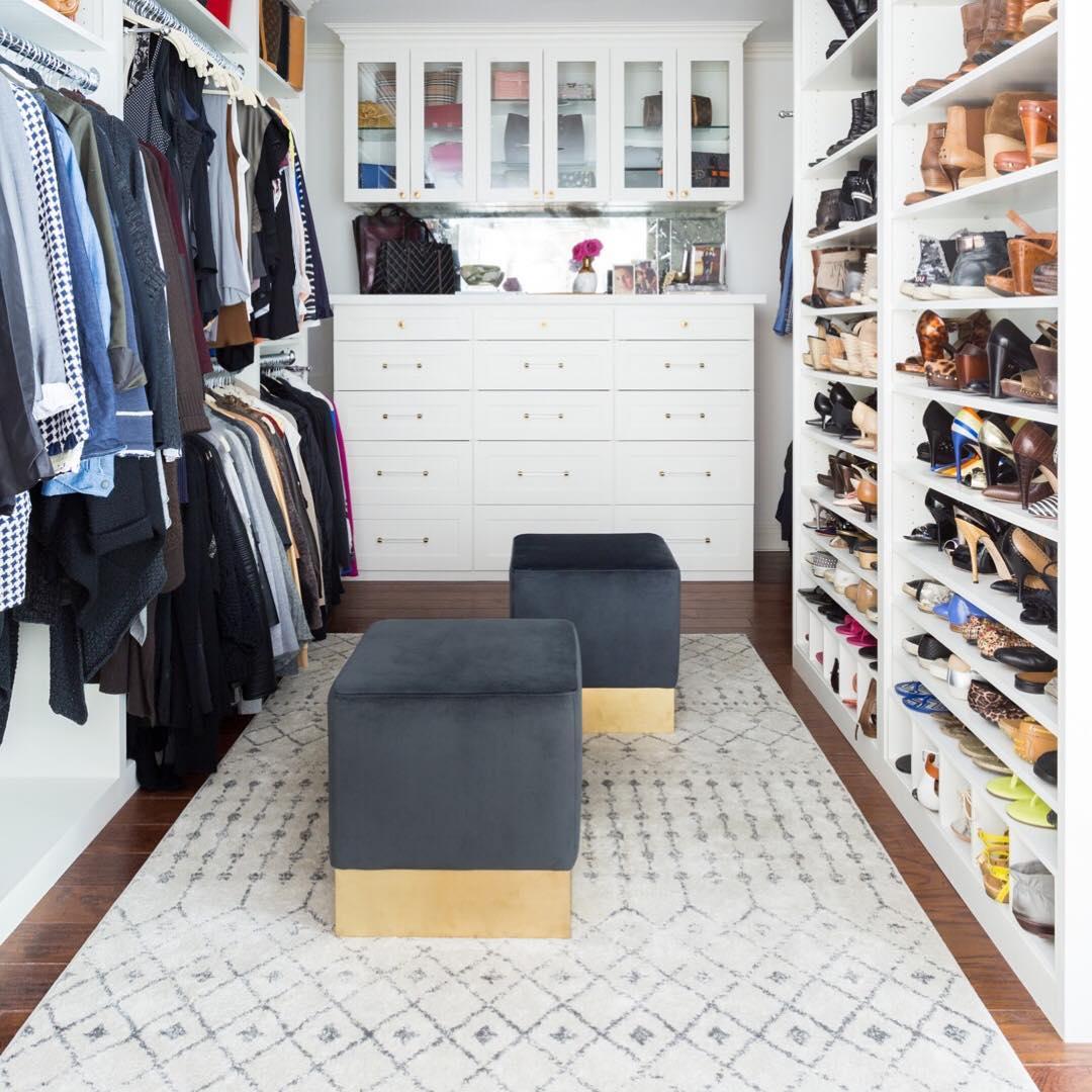 Организация пространства в гардеробной фото 12