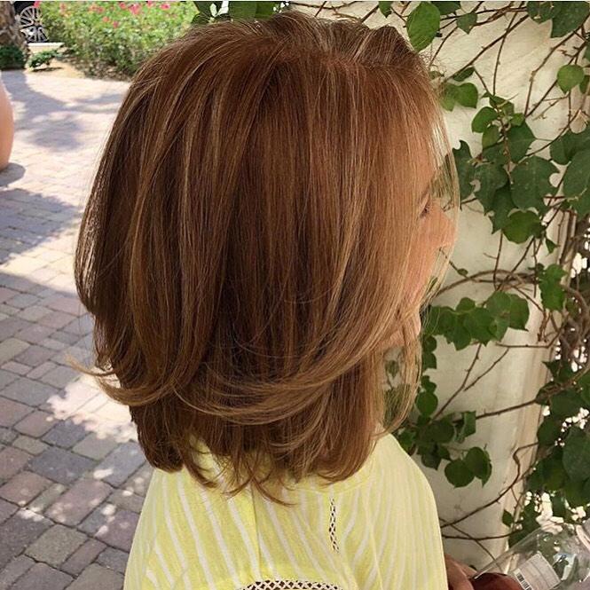 Стрижки после 60 лет на средние волосы 2020 фото 4