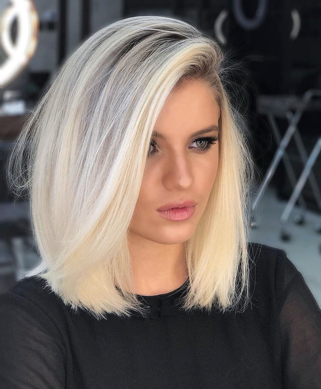 Объемные стрижки на средние волосы 2020 фото 7