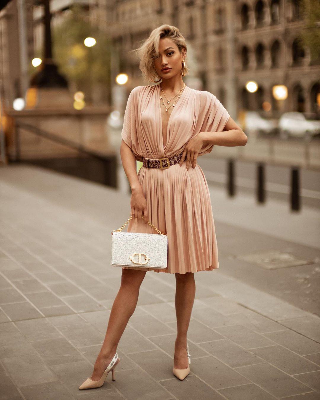 цельнокроеное платье фото 4