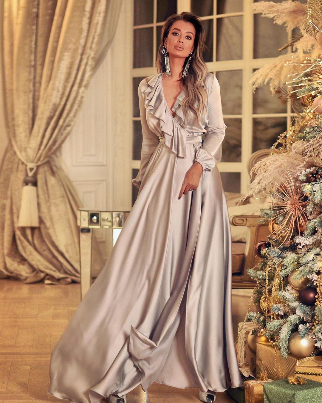 Самые красивые новогодние платья 2020 фото 11