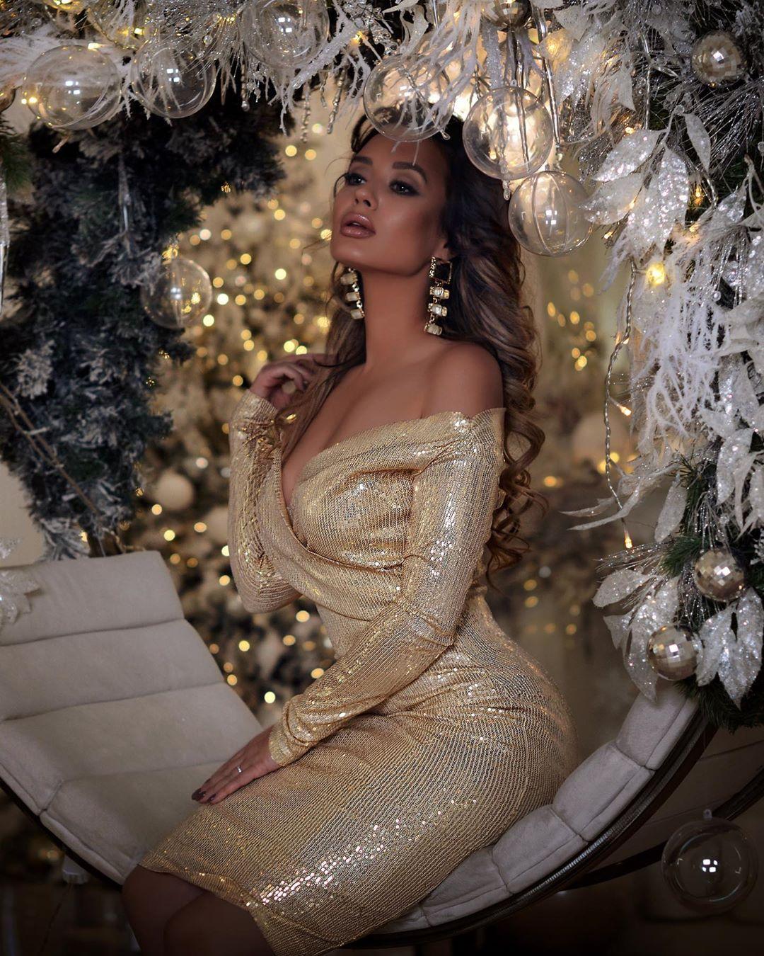 Самые красивые новогодние платья 2020 фото 13