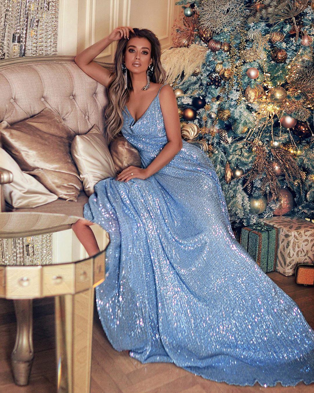 Самые красивые новогодние платья 2020 фото 14