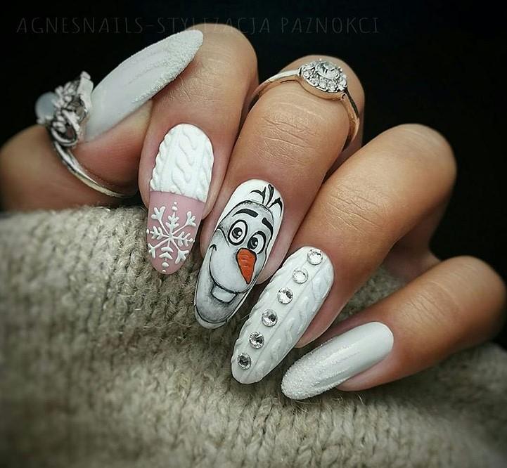 снежинки на ногтях фото 2