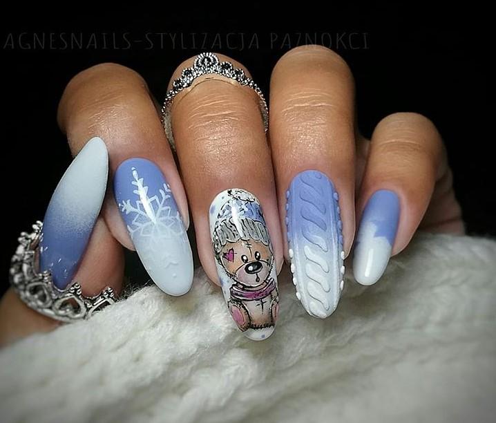 снежинки на ногтях фото 3