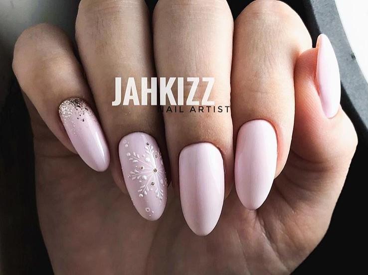 снежинки на ногтях фото 10