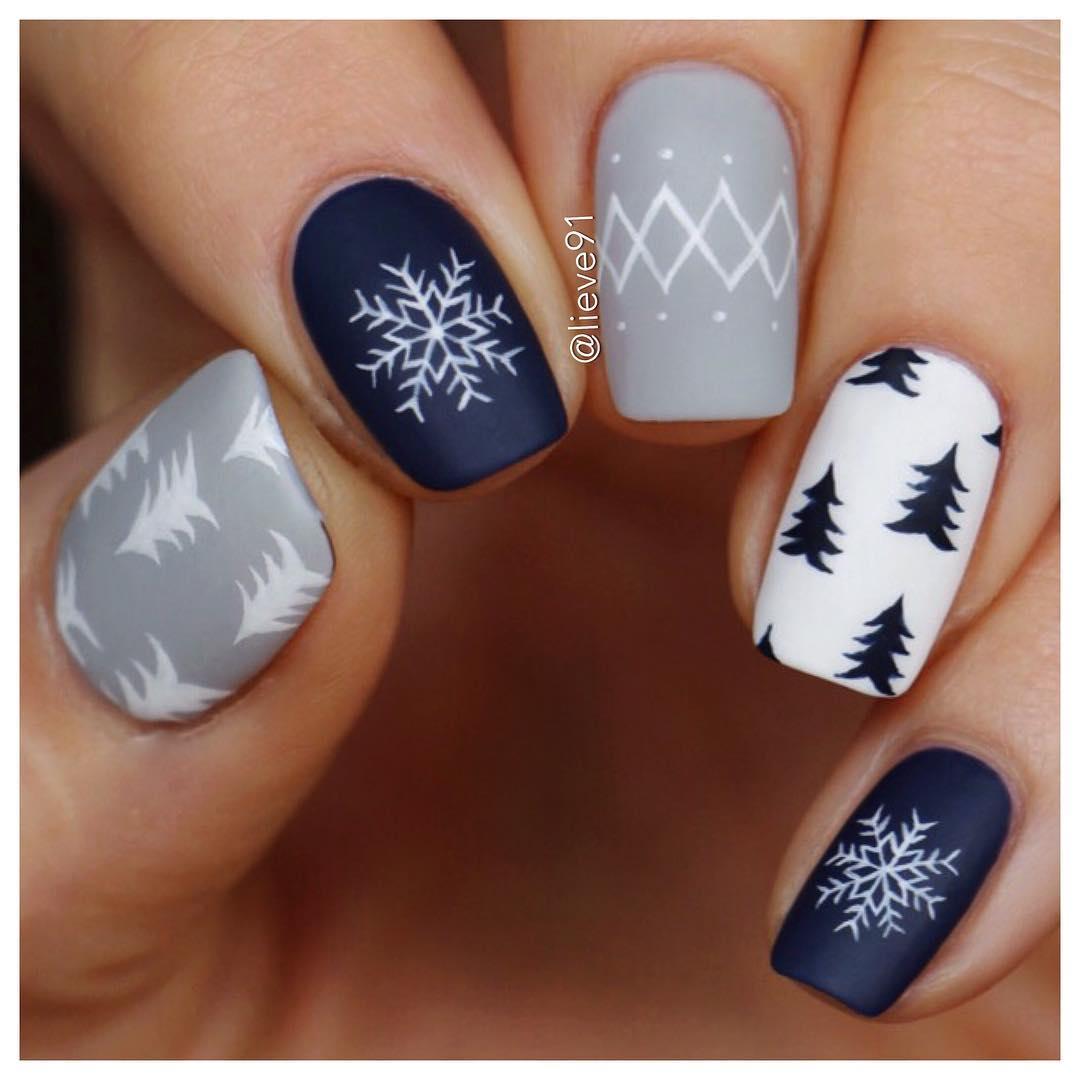 снежинки на ногтях фото 17