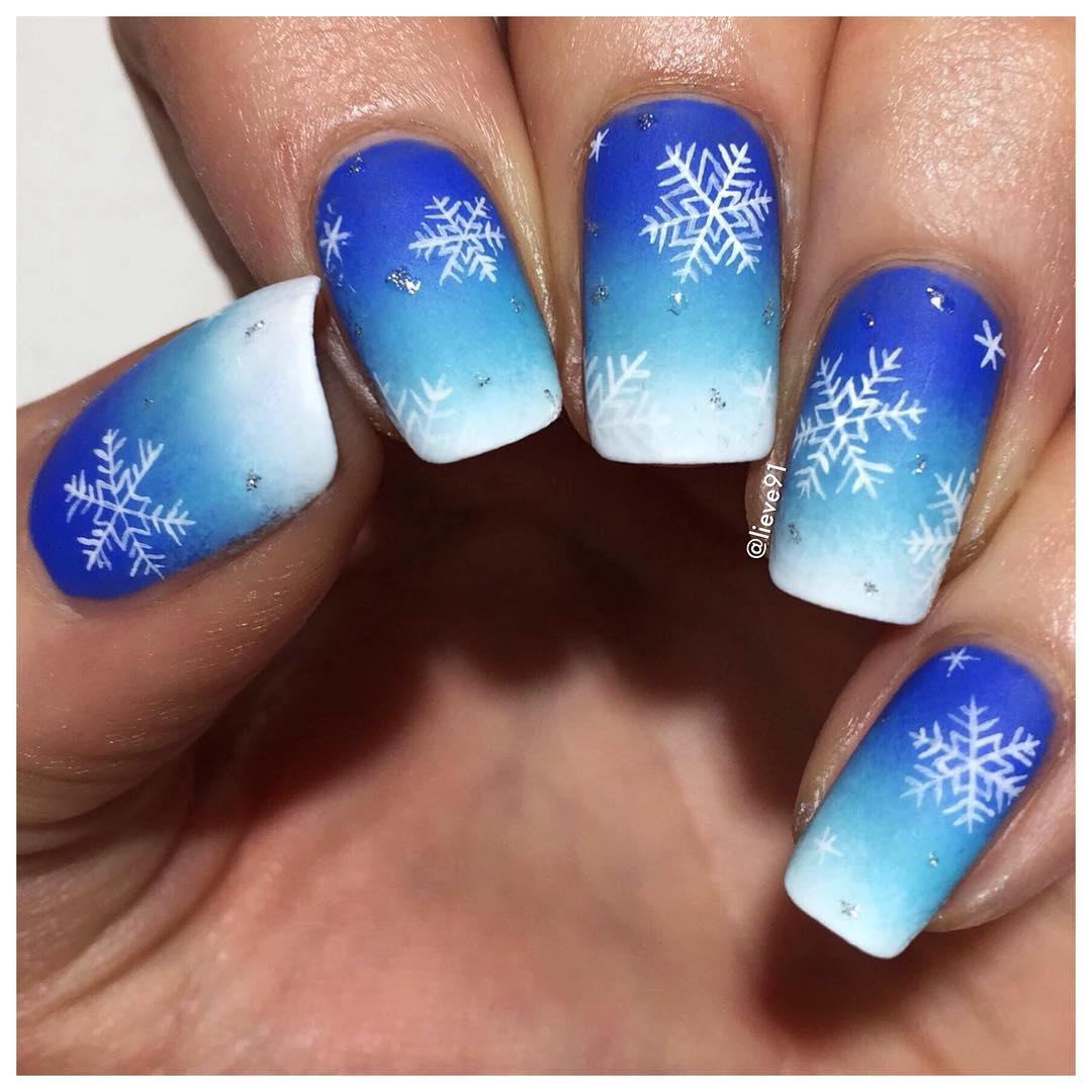снежинки на ногтях фото 15