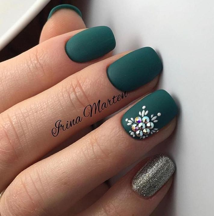 снежинки на ногтях фото 23