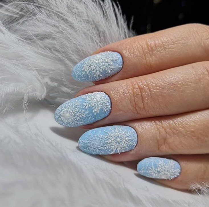 снежинки на ногтях фото 34