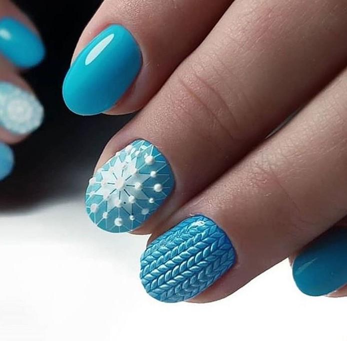 снежинки на ногтях фото 36