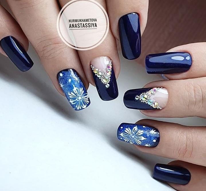 снежинки на ногтях фото 37