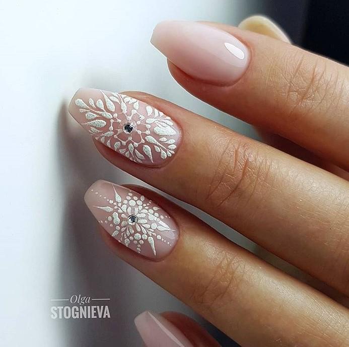 снежинки на ногтях фото 38