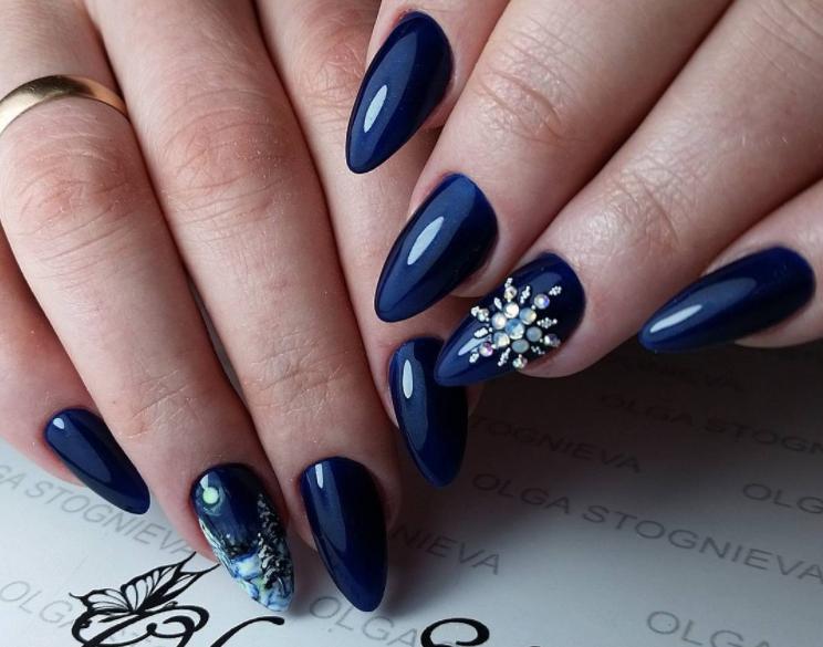 снежинки на ногтях фото 42
