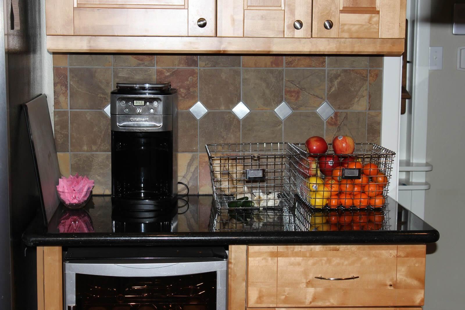 изобретательные идеи организации стола на кухне фото 16
