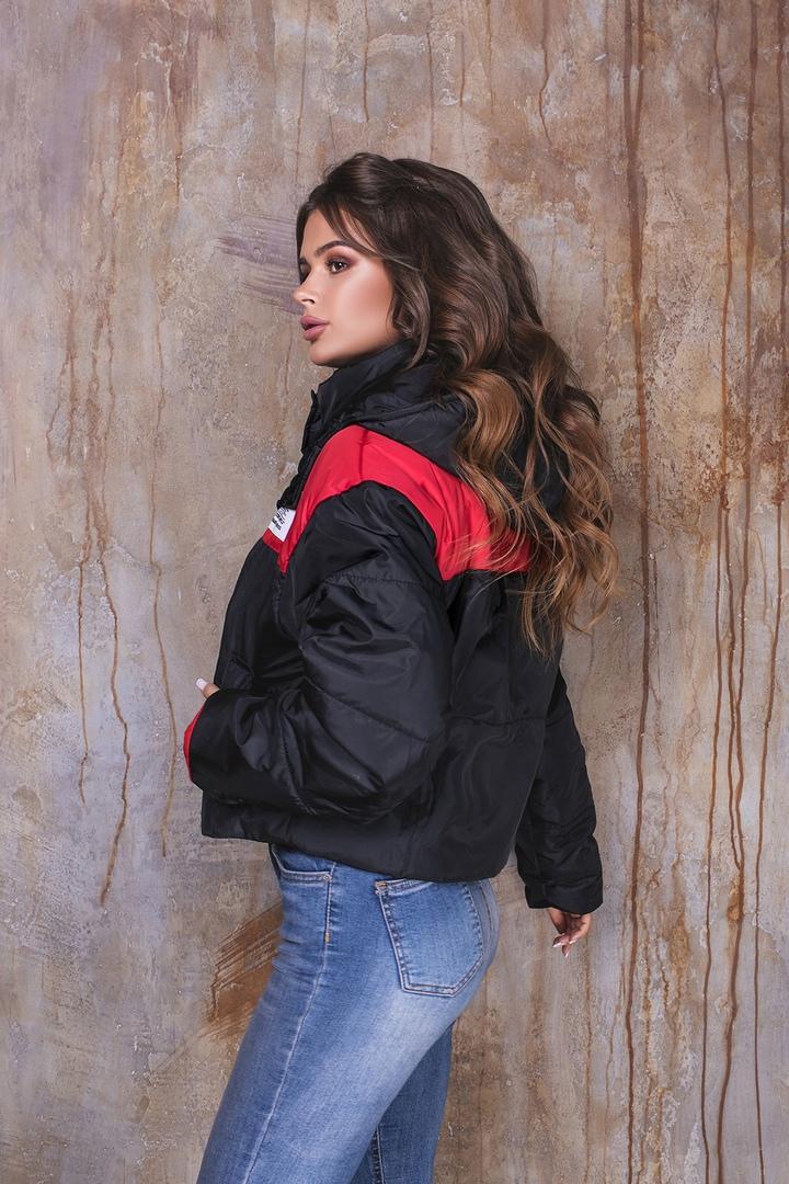 Красная куртка фото 15