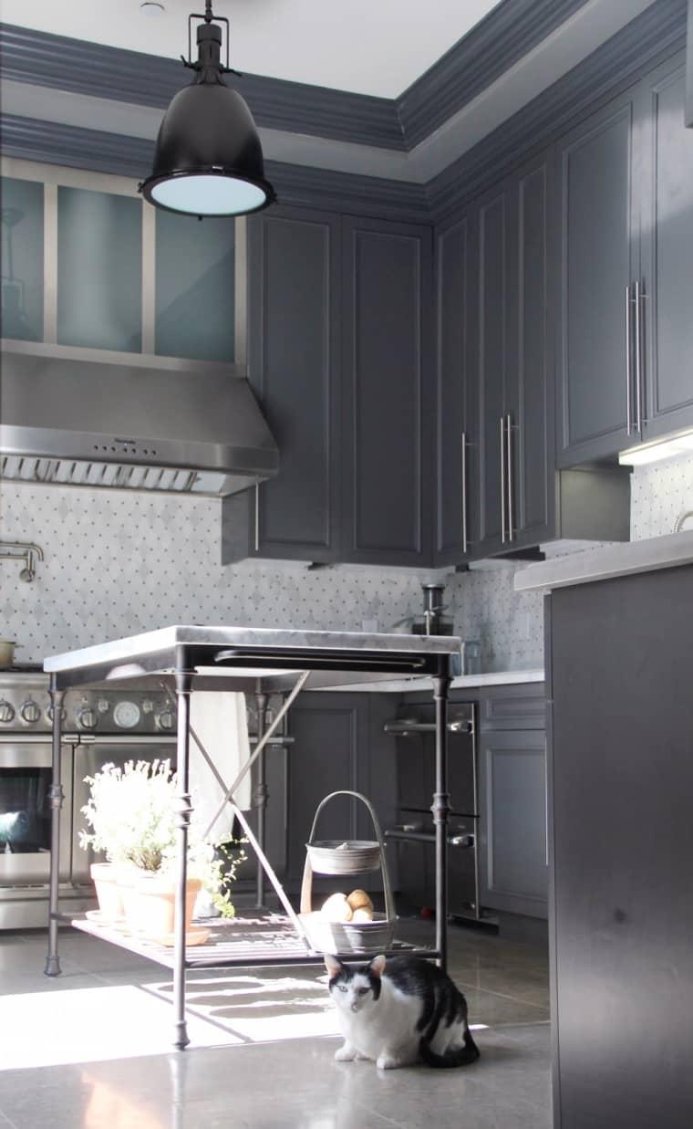 оформление кухни в серый цвет фото 10