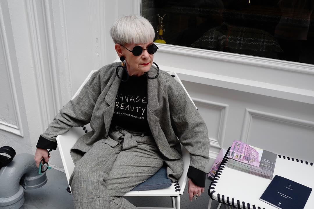 стрижки для пожилых женщин фото 9