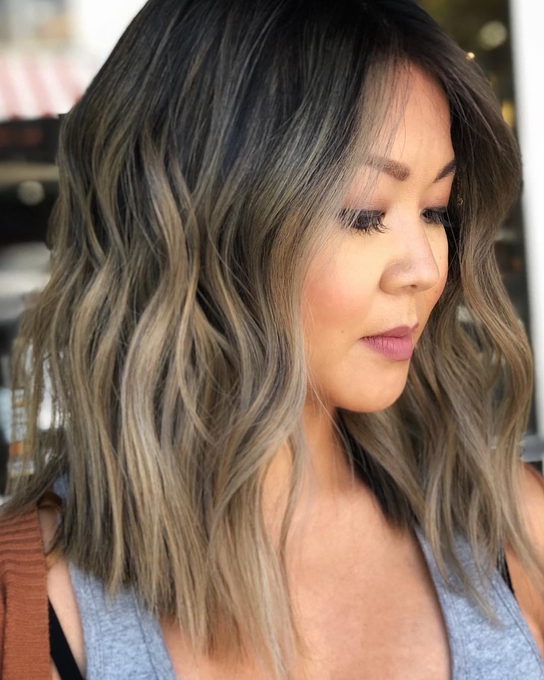 Стрижки после 40 лет на средние волосы для полного лица фото 3