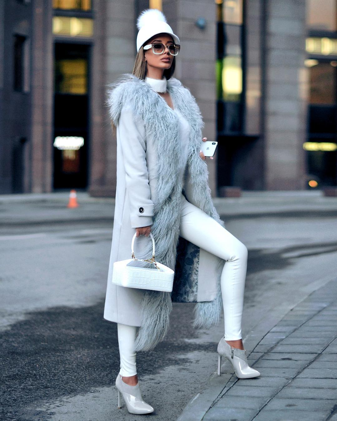 Голубое пальто фото 13