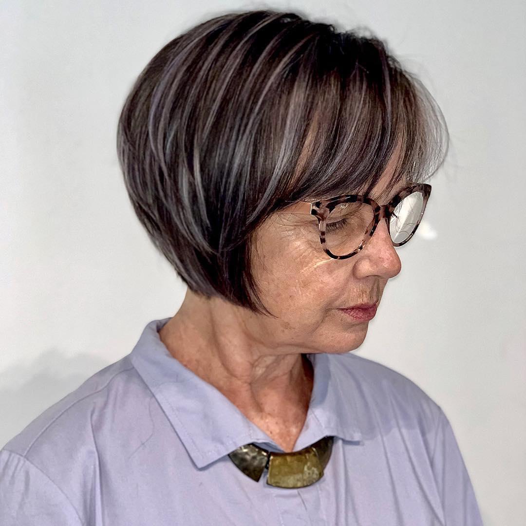 Короткие стрижки для женщин после 60 лет фото 6