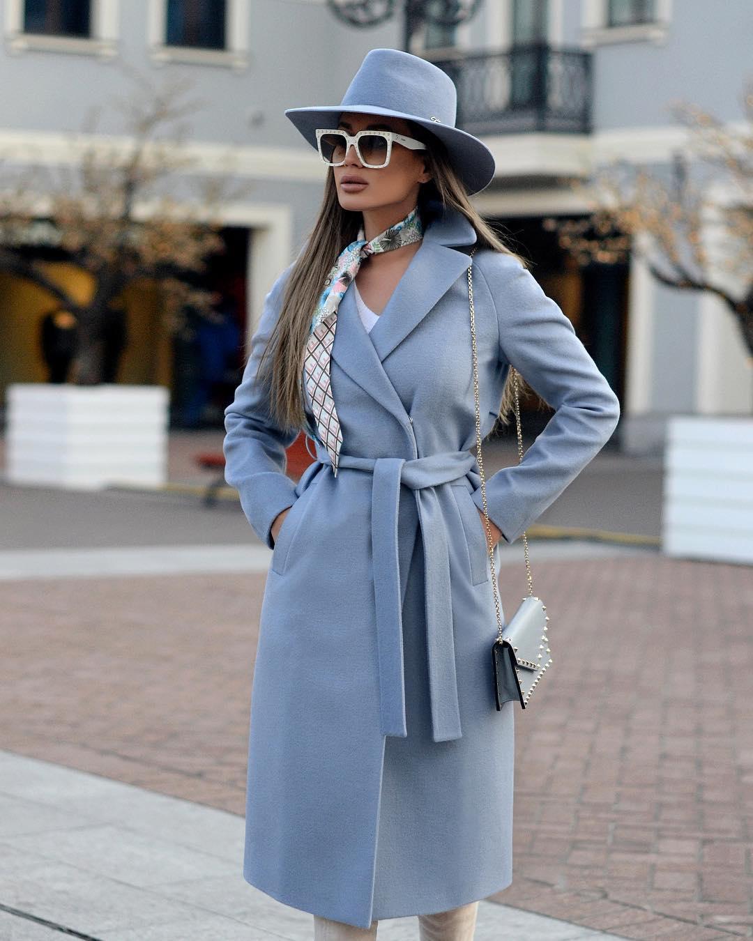 Голубое пальто фото 14