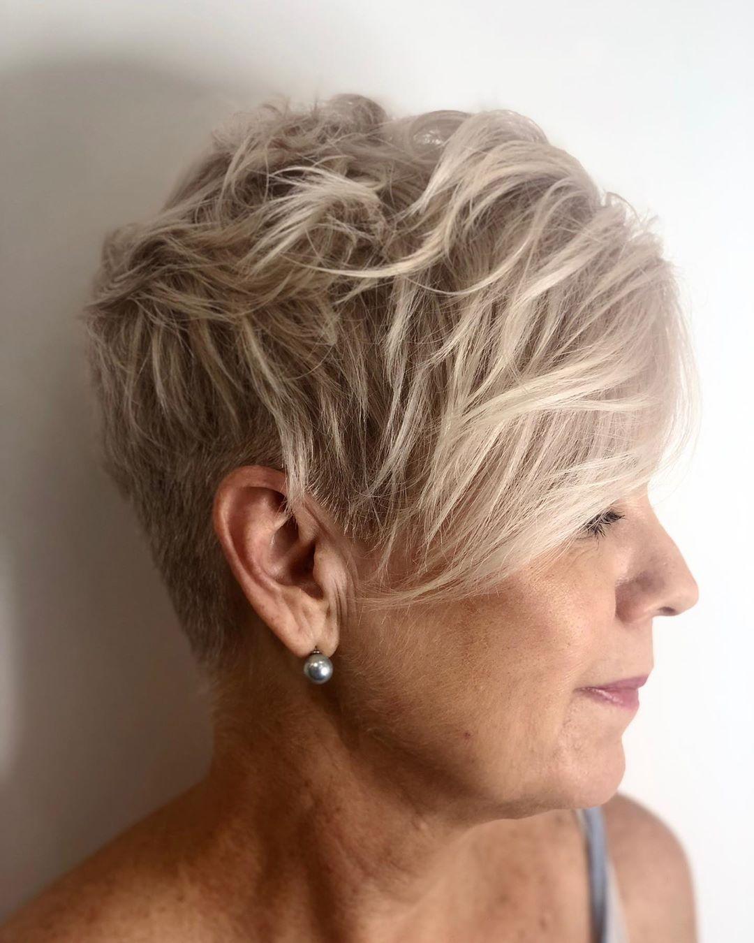 прически для женщин старше 50 лет фото 15