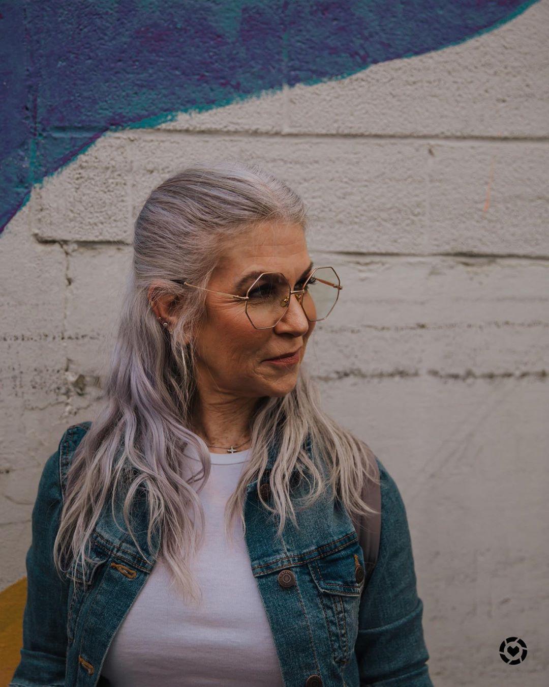 прически для женщин старше 50 лет фото 8